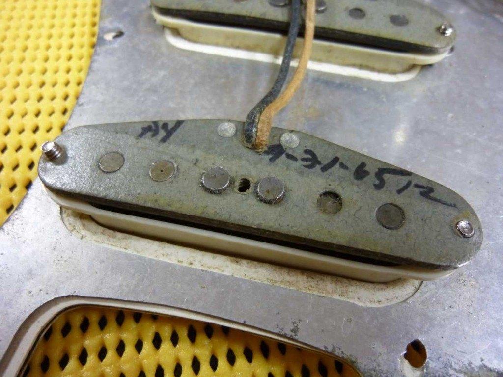 Fender Stratocaster L series Abigail Ybarra pickup